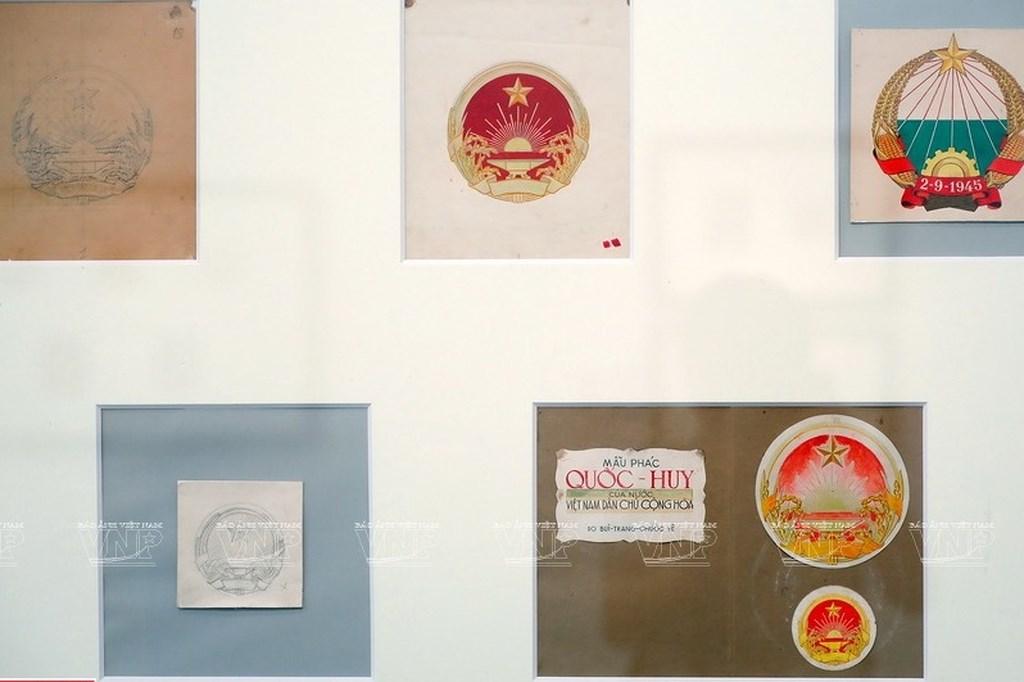 Original drafts of Vietnam's national emblem on display