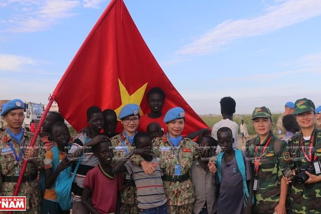 "Vietnam's ""blue beret"" officers - Messengers of peace"