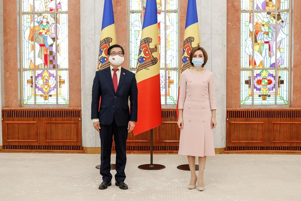 Moldovan President highly values Vietnam's achievements