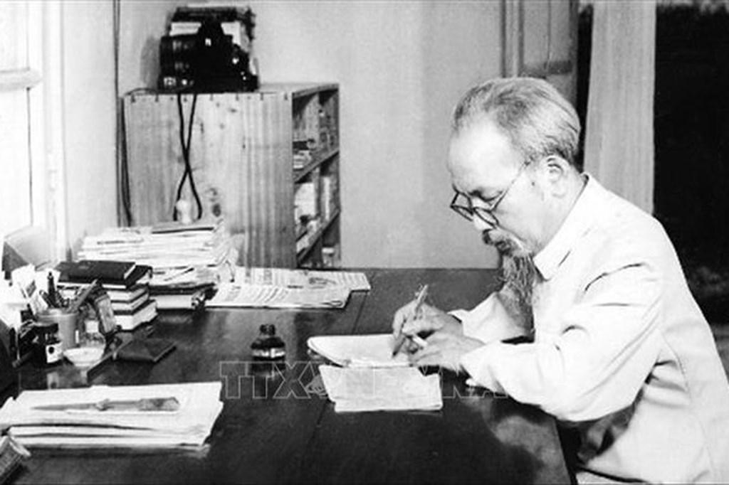 Histoires du Président Ho Chi Minh en Russie