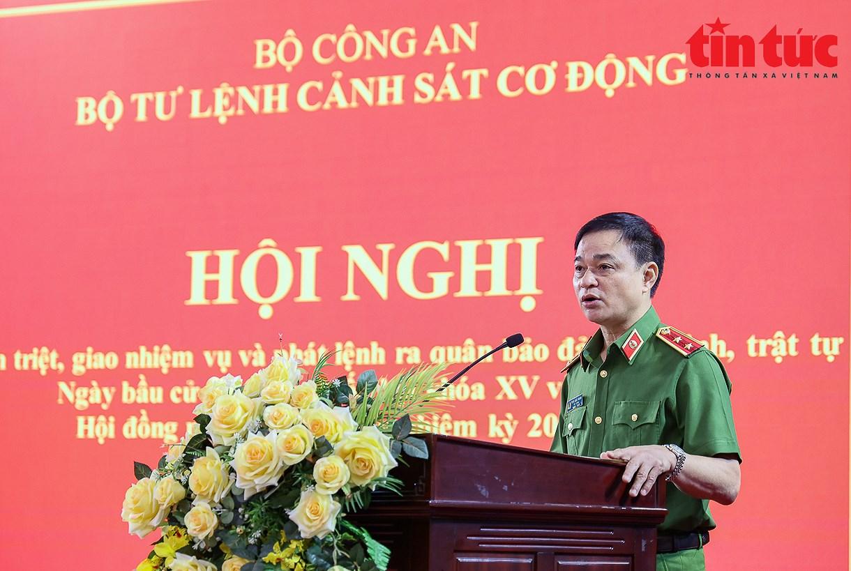 300 canh sat co dong tang cuong den Bac Giang chong dich se bo phieu tai dia phuong hinh anh 1