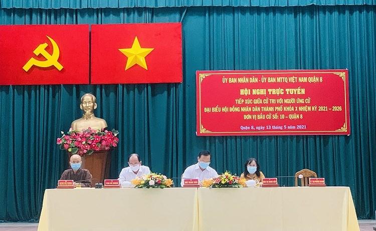 TP Ho Chi Minh ruc ro co do sao vang chao mung ngay bau cu 23/5 hinh anh 10