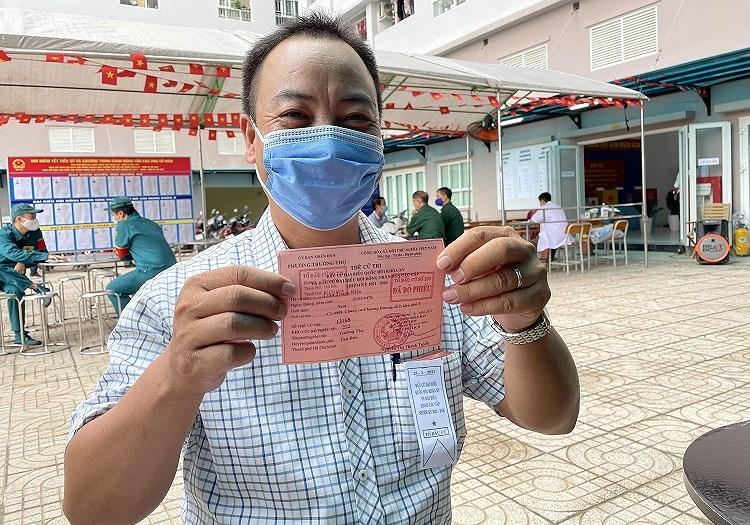 TP Ho Chi Minh: Duong pho nhon nhip tu sang som khi cu tri no nuc di bau cu hinh anh 15
