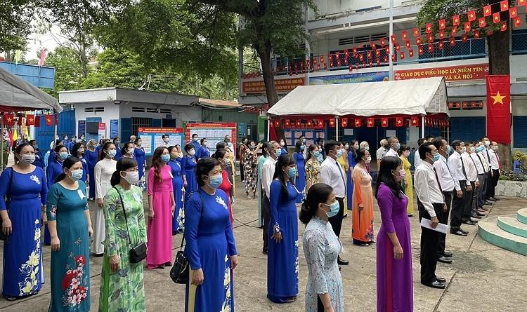 TP Ho Chi Minh: Duong pho nhon nhip tu sang som khi cu tri no nuc di bau cu hinh anh 9