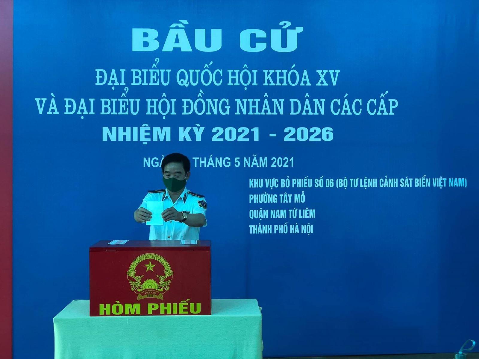 Tren 500 cu tri tai Bo Tu lenh Canh sat bien Viet Nam di bo phieu hinh anh 4
