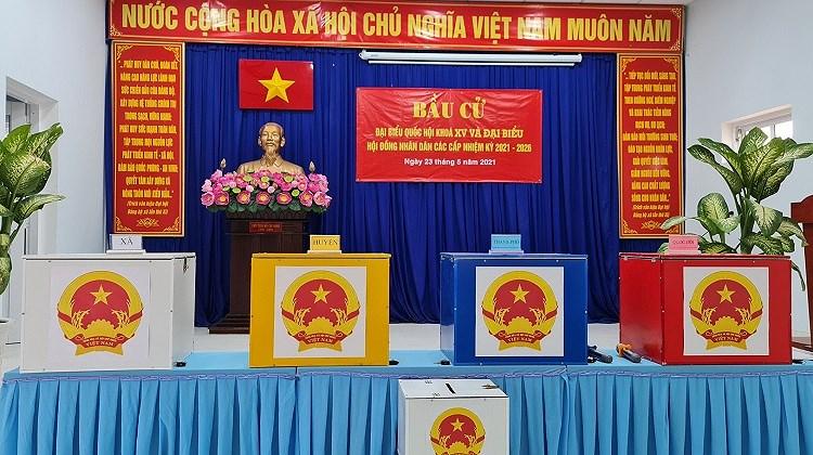 Nguoi dan xa dao duy nhat cua TP Ho Chi Minh hao huc di bau cu hinh anh 2