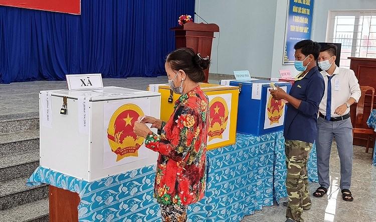 Nguoi dan xa dao duy nhat cua TP Ho Chi Minh hao huc di bau cu hinh anh 7