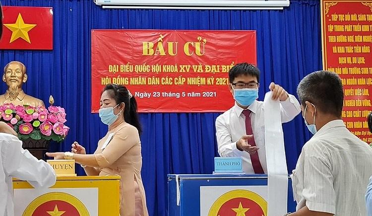 Nguoi dan xa dao duy nhat cua TP Ho Chi Minh hao huc di bau cu hinh anh 8