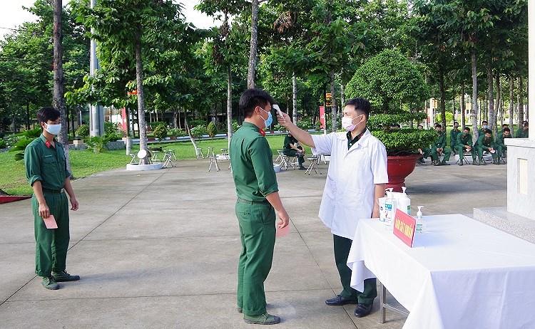 Cac chien sy ao xanh hoan thanh nhiem vu bo phieu tai TP Ho Chi Minh hinh anh 3