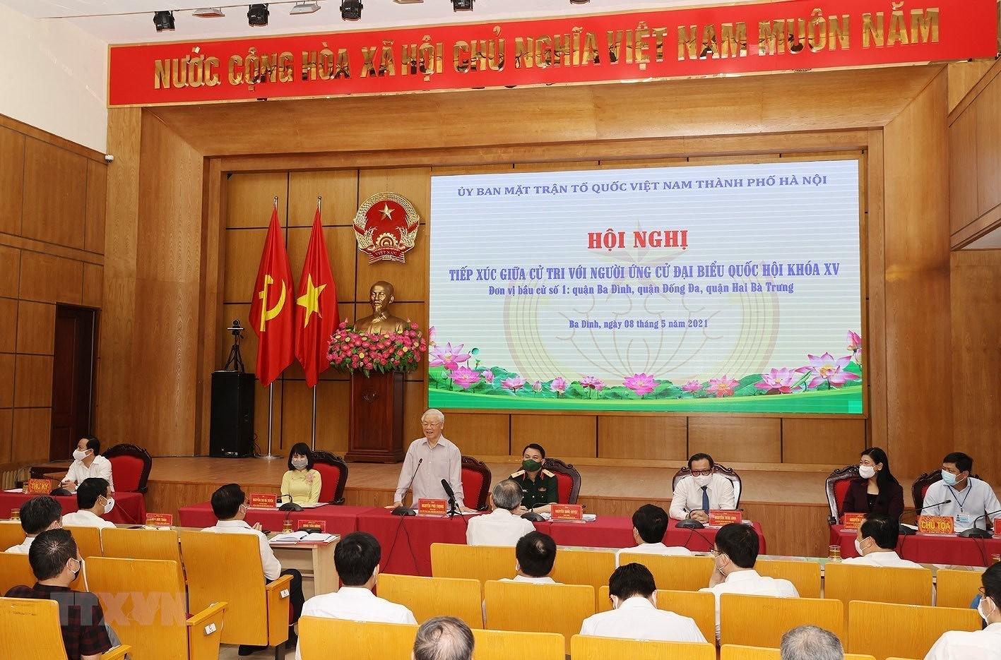 Tong Bi thu Nguyen Phu Trong tiep xuc cu tri, van dong bau cu o Ha Noi hinh anh 2