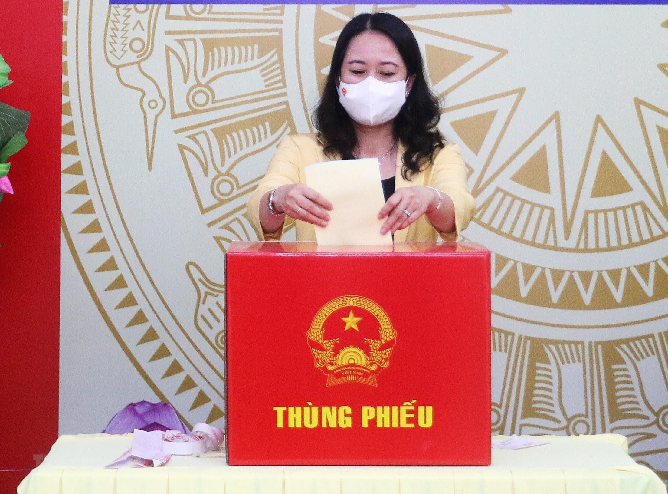 An Giang: Pho Chu tich nuoc bo phieu bau cu tai thanh pho Long Xuyen hinh anh 1