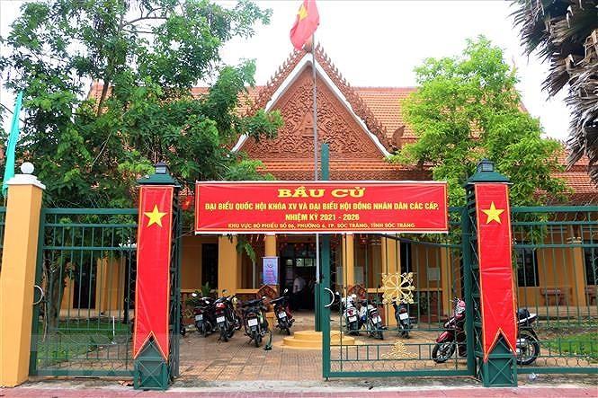 Cu tri TP.HCM, Vinh Long, Soc Trang, Quang Ngai no nuc di bau cu hinh anh 2