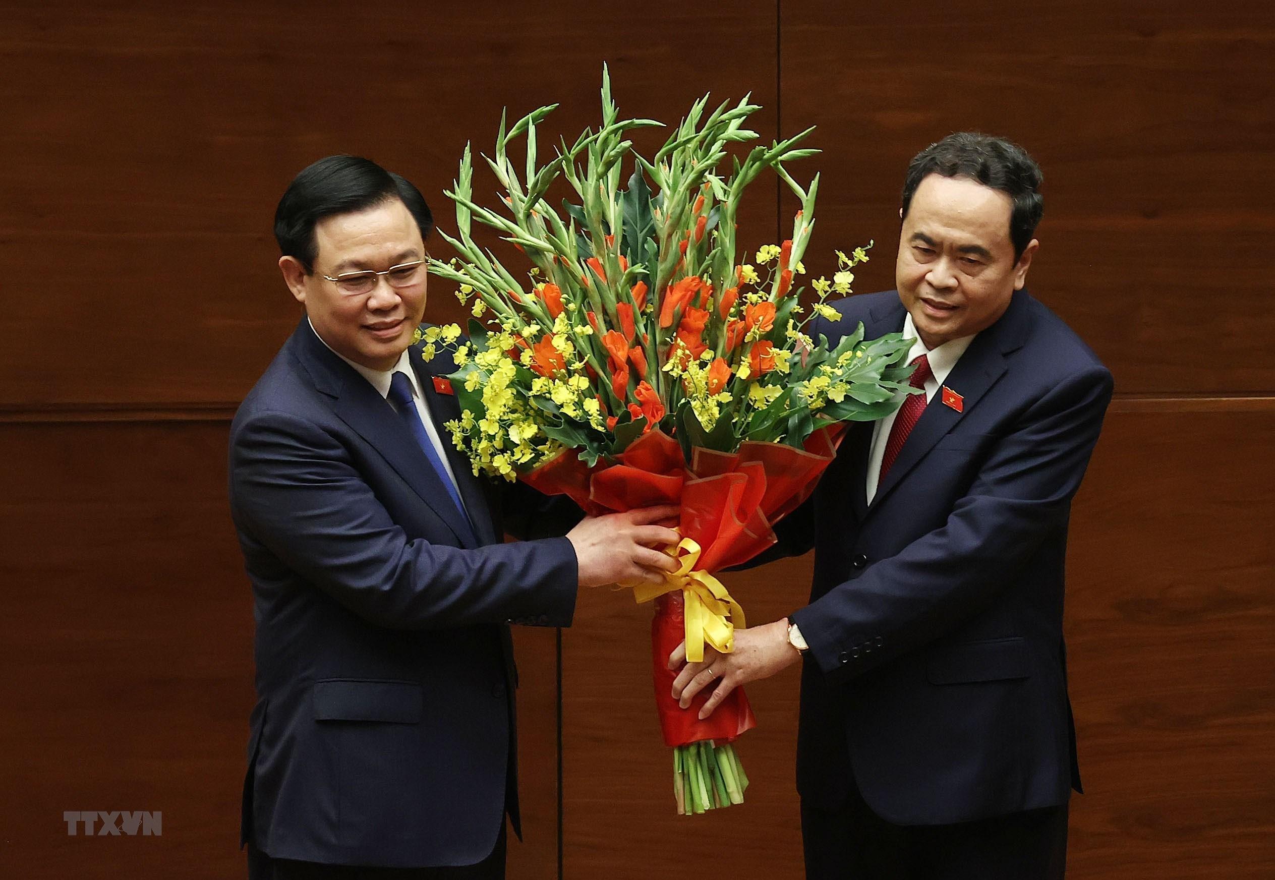 [Photo] Chu tich Quoc hoi khoa XV Vuong Dinh Hue tuyen the nham chuc hinh anh 9