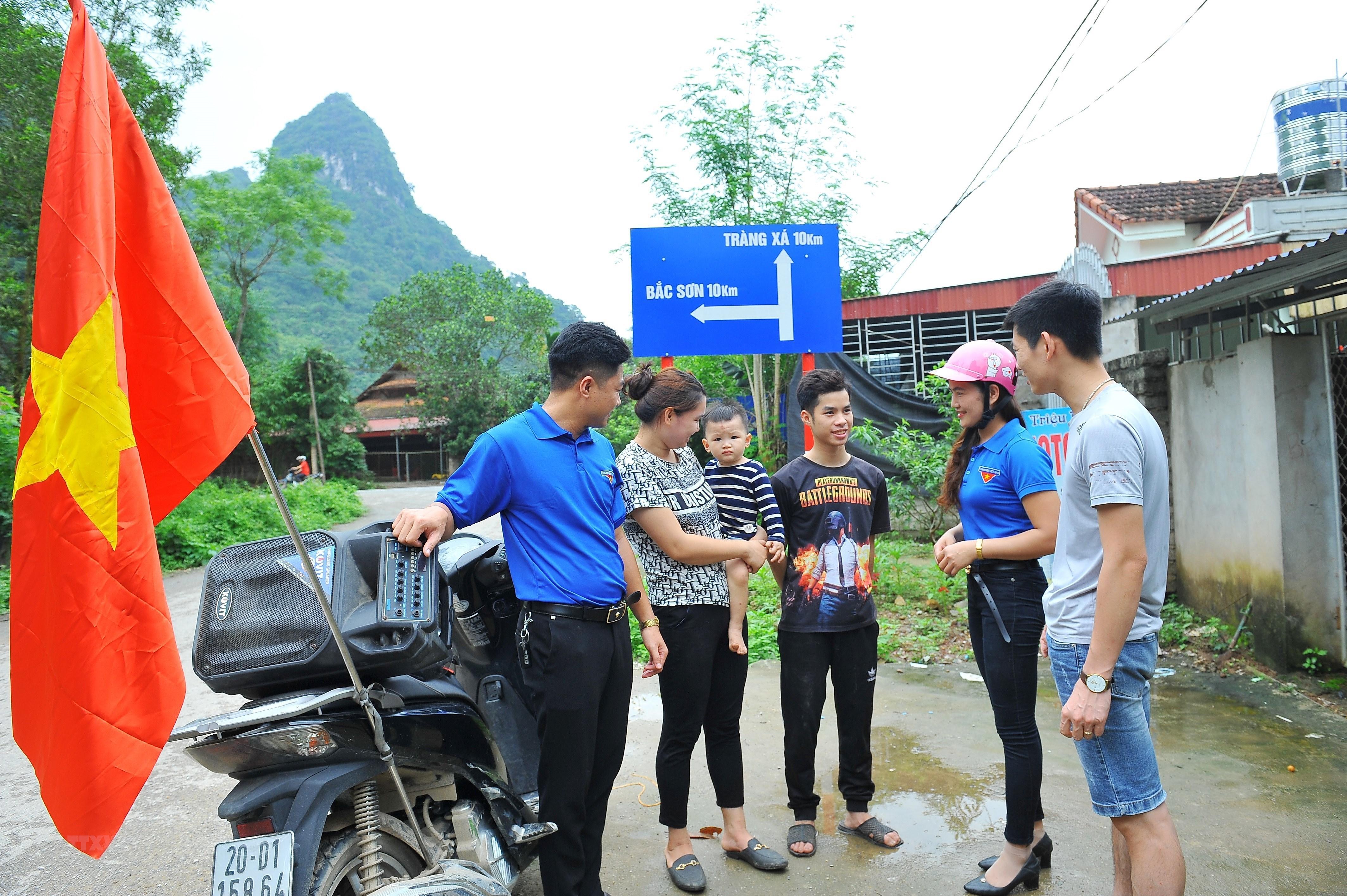 Thai Nguyen day manh tuyen truyen bau cu trong vung dong bao dan toc hinh anh 10
