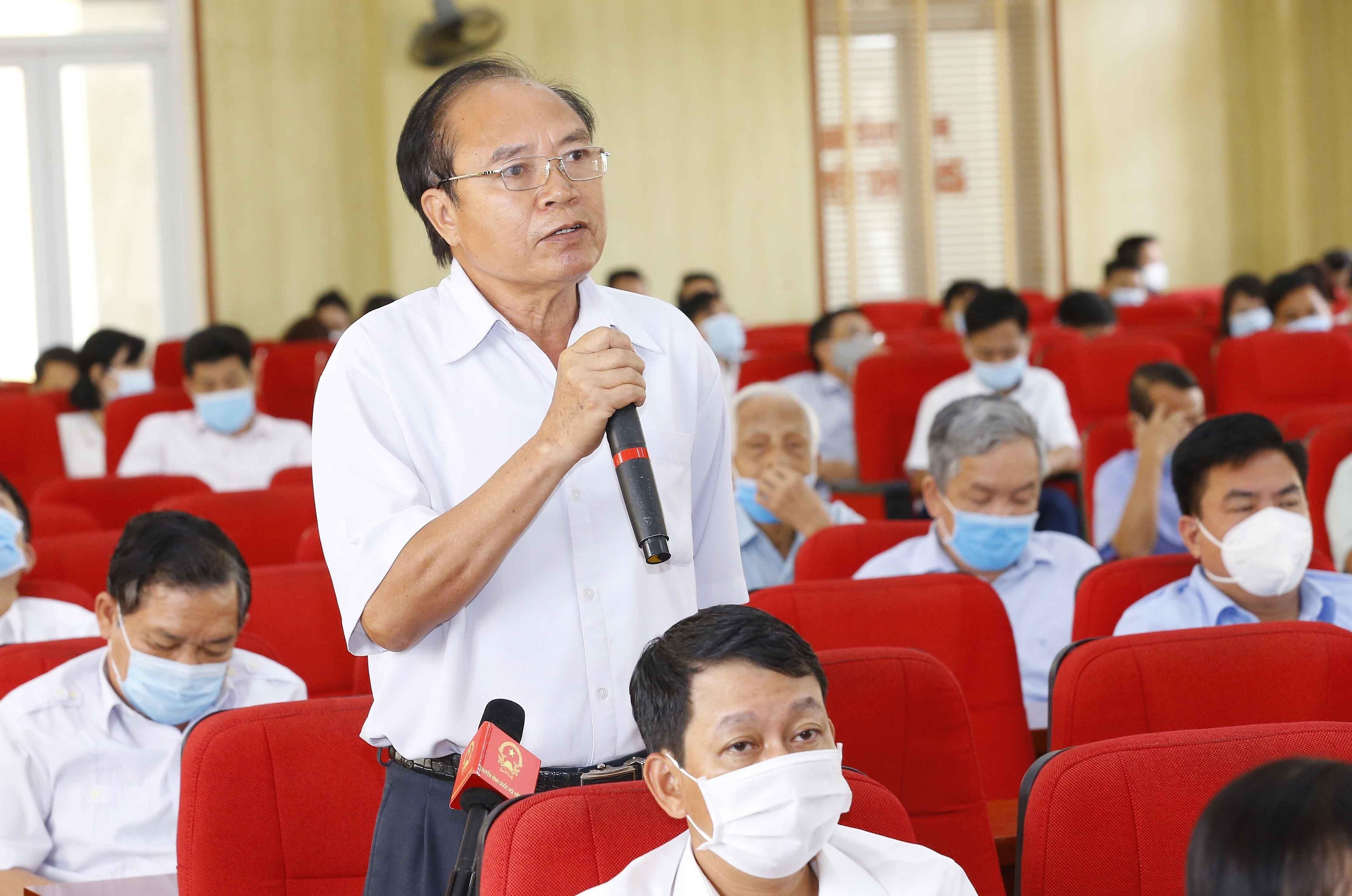 [Photo] Chu tich Quoc hoi Vuong Dinh Hue van dong bau cu tai Hai Phong hinh anh 5