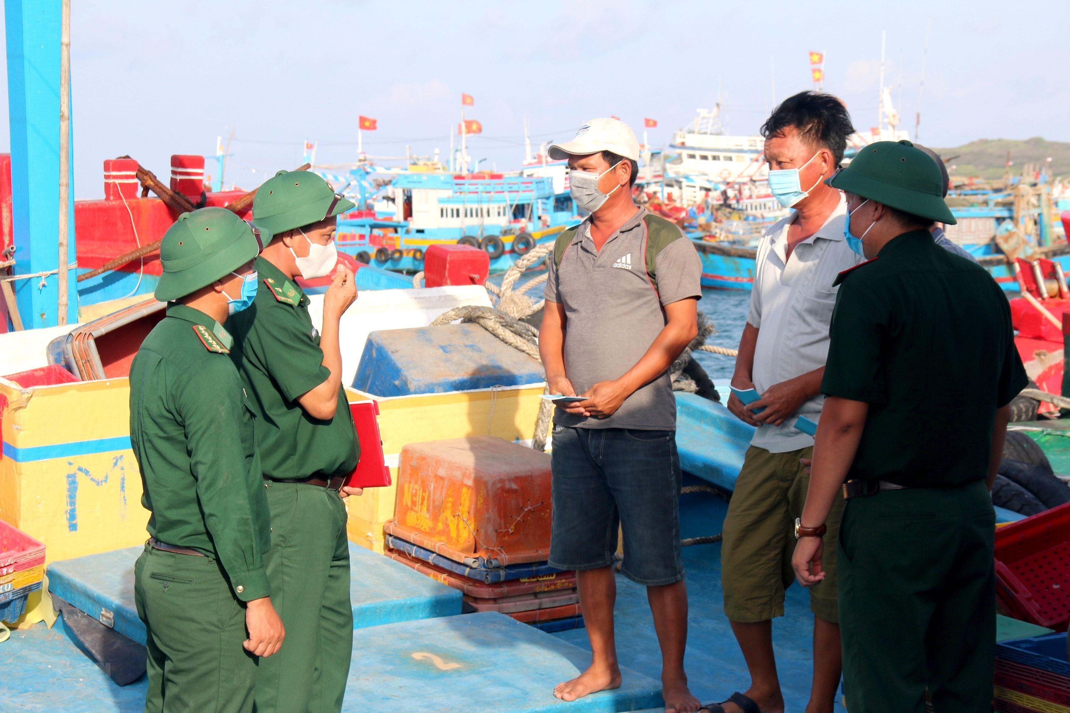 [Photo] Binh Thuan: Huyen dao Phu Quy san sang cho ngay bau cu hinh anh 5