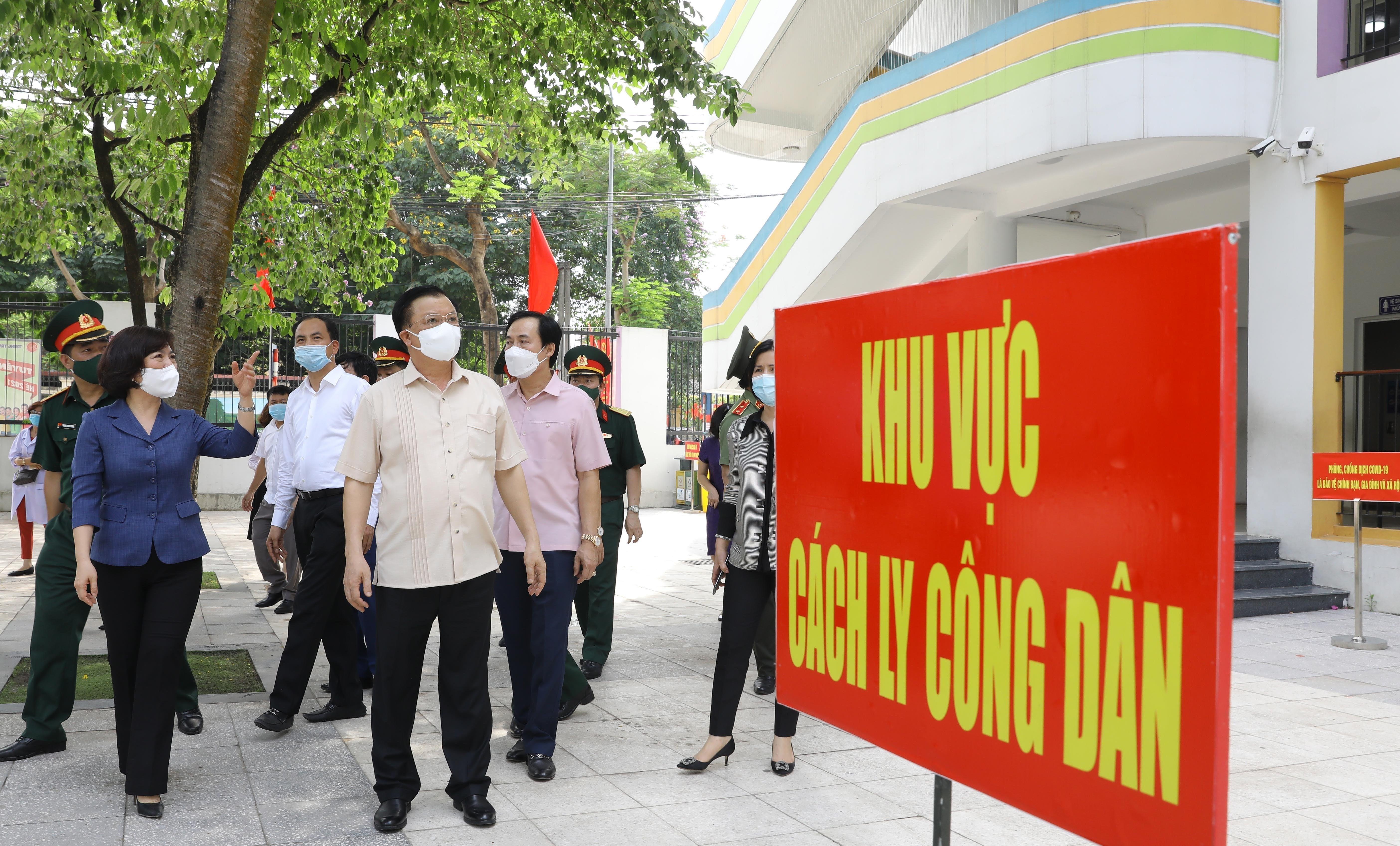 Bi thu Thanh uy Ha Noi kiem tra cong tac chuan bi bau cu va phong dich hinh anh 7