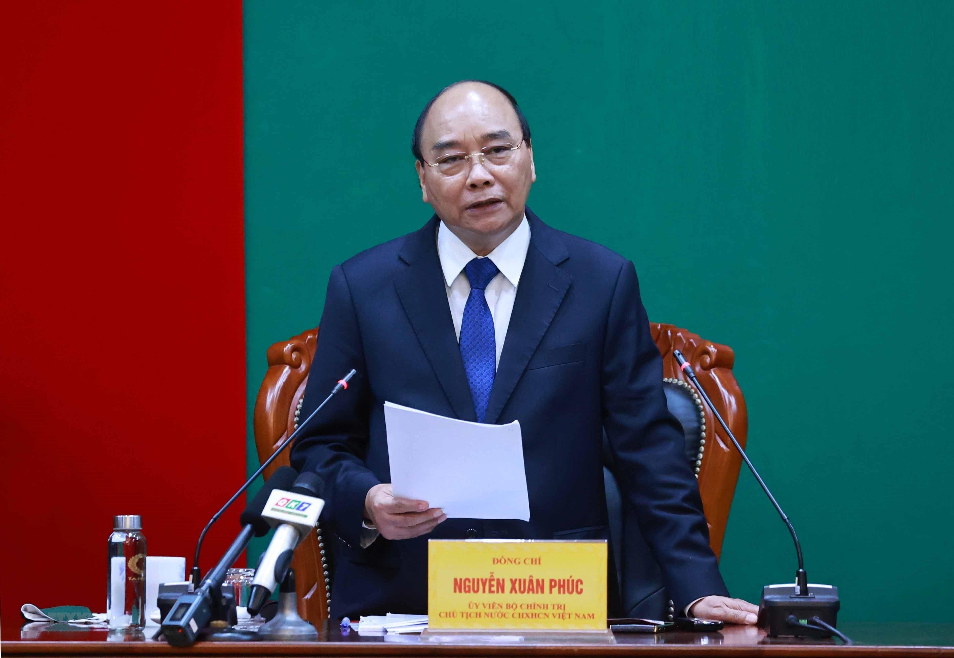 Hinh anh Chu tich nuoc Nguyen Xuan Phuc tham, lam viec tai Quan khu 7 hinh anh 4