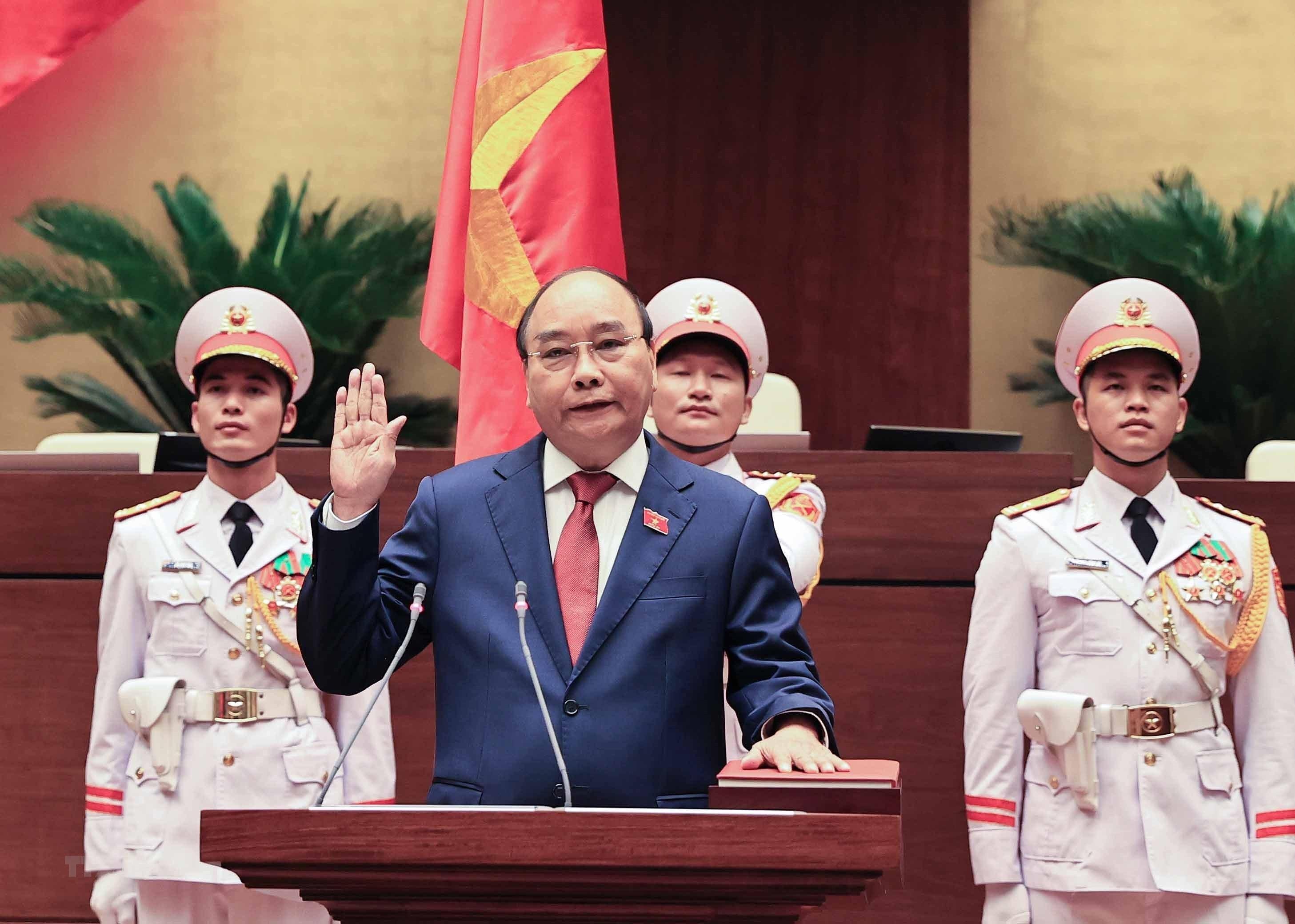 [Photo] Ong Nguyen Xuan Phuc nham chuc Chu tich nuoc hinh anh 5
