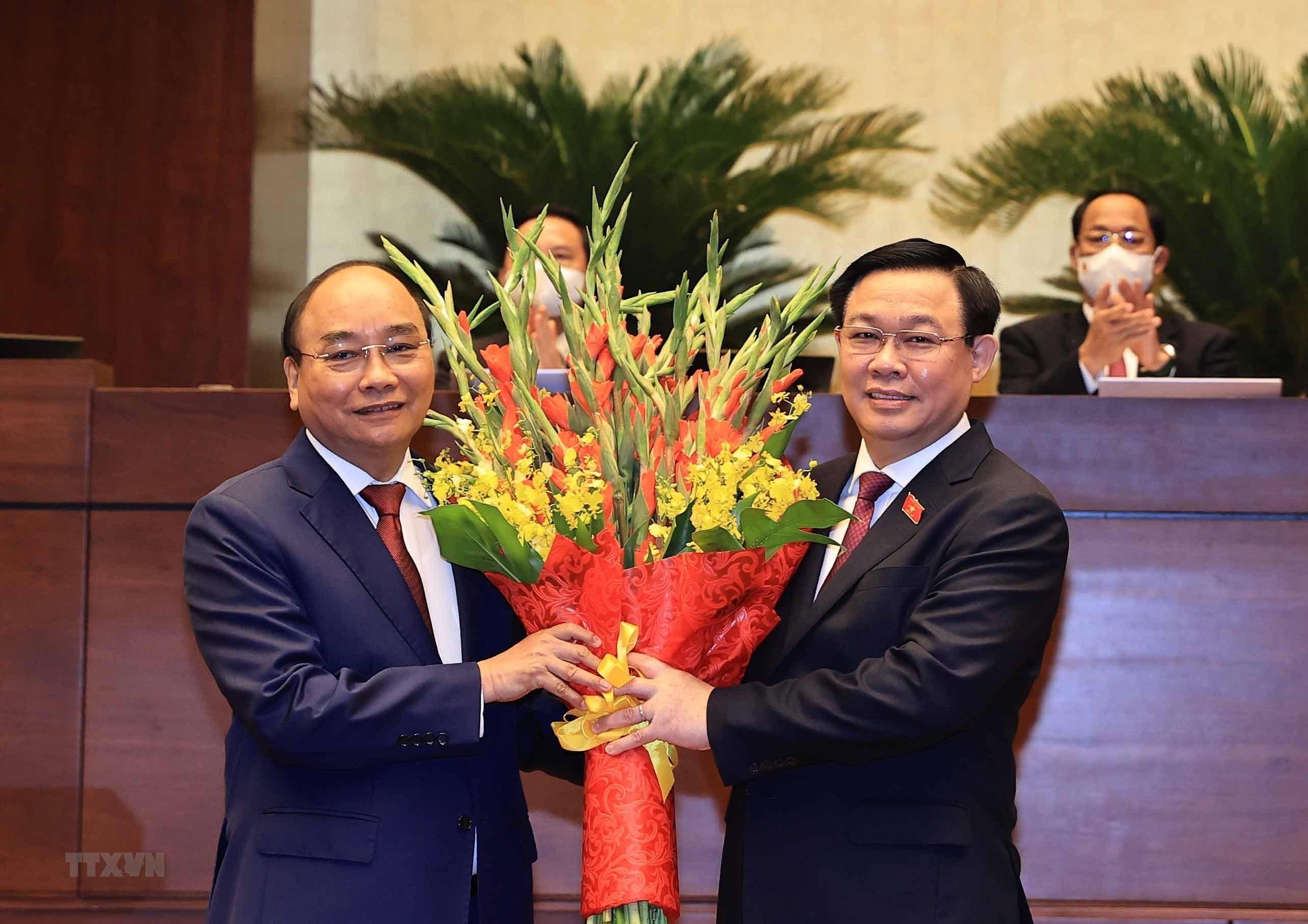 [Photo] Ong Nguyen Xuan Phuc nham chuc Chu tich nuoc hinh anh 6