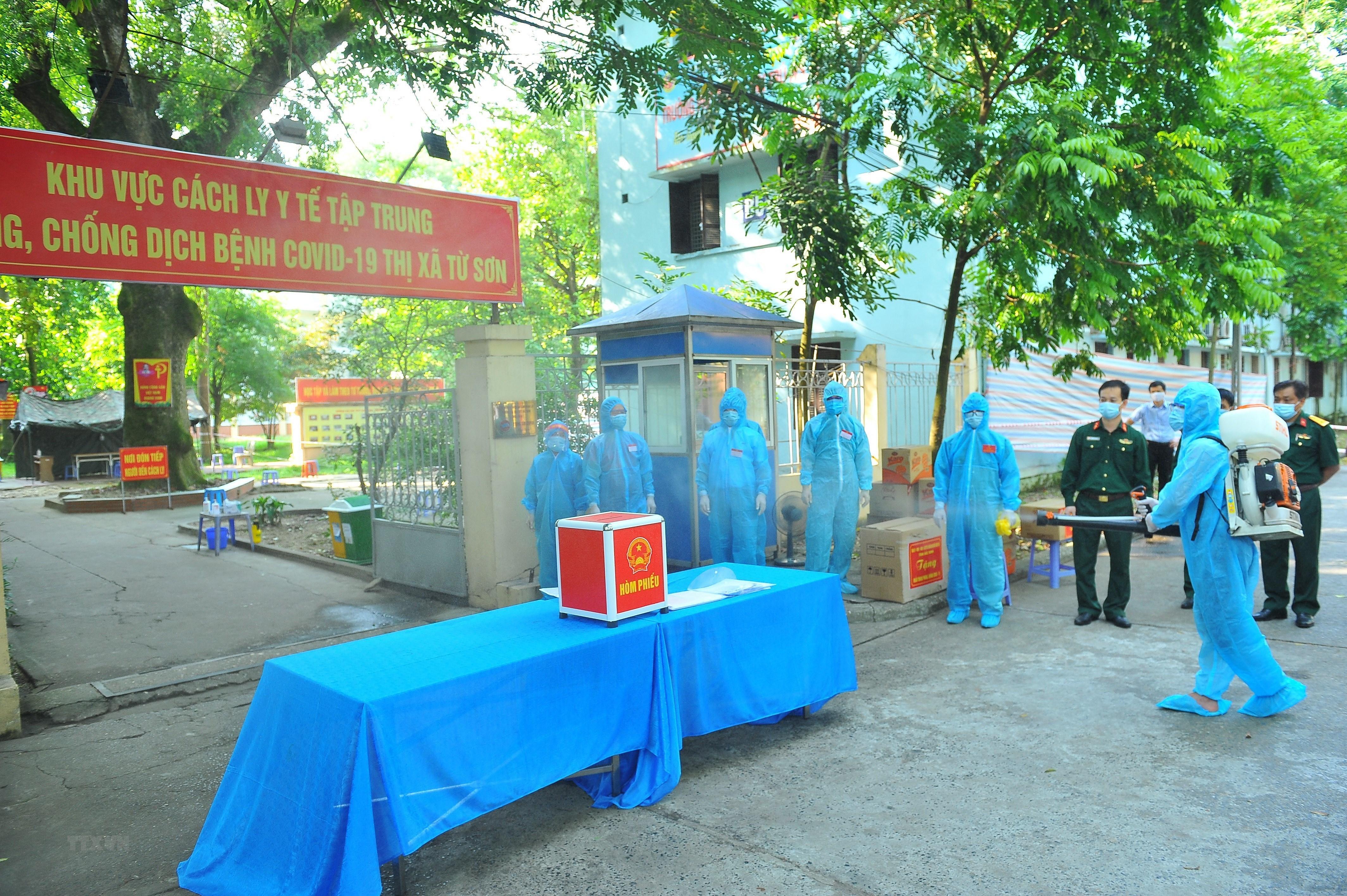 [Photo] Bac Ninh to chuc bau cu som tai cac khu cach ly tap trung hinh anh 1