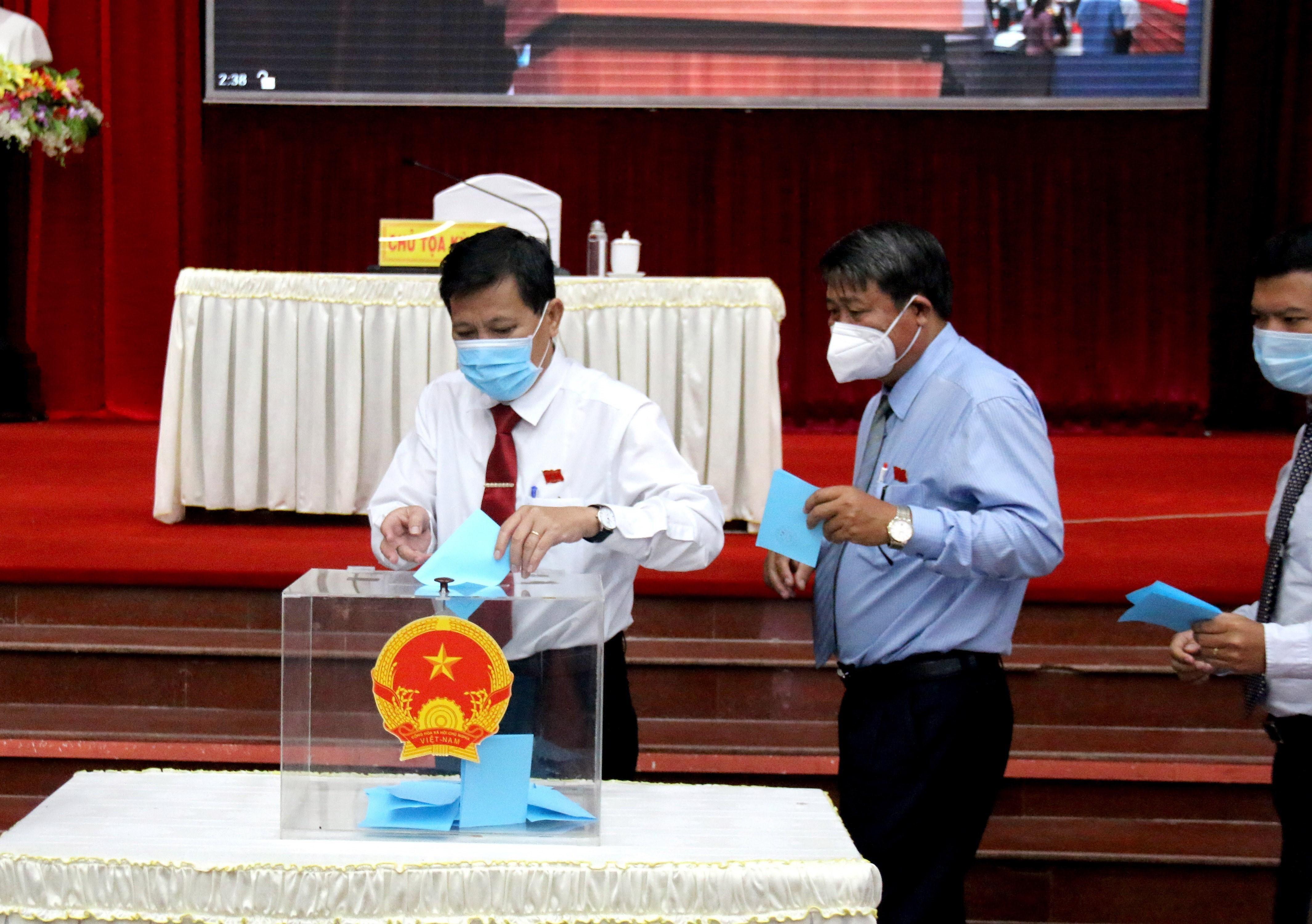 Binh Thuan: Bau Chu tich Hoi dong Nhan dan, Chu tich UBND tinh hinh anh 1
