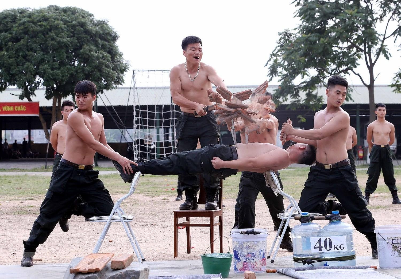 Luc luong CSCD thuc binh phuong an dam bao an ninh trat tu cuoc bau cu hinh anh 19