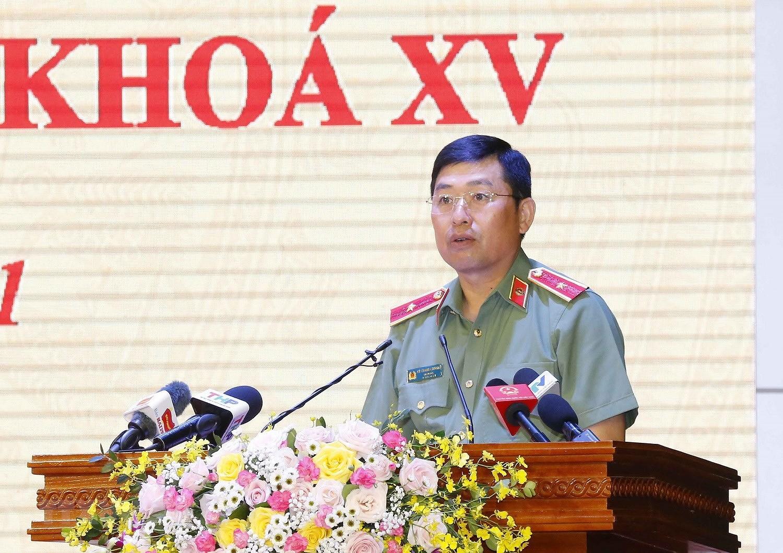 Chu tich Quoc hoi Vuong Dinh Hue tiep xuc cu tri thanh pho Hai Phong hinh anh 10