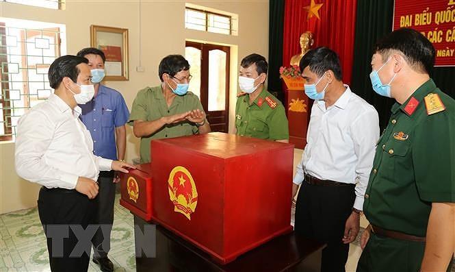 Dien Bien, Ninh Binh bao dam an toan phong dich cho Ngay hoi bau cu hinh anh 3