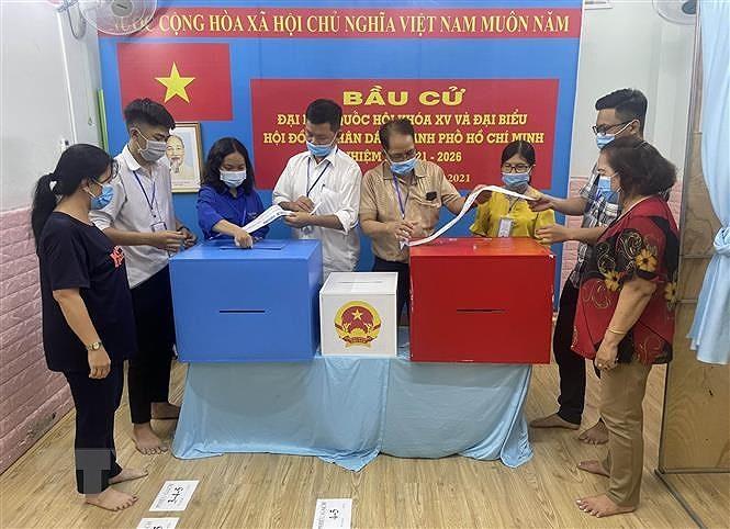 Bau cu QH: Cu tri Thanh pho Ho Chi Minh di bo phieu dat 99,38% hinh anh 1