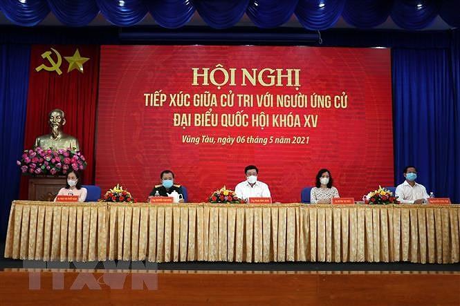 Pho Thu tuong Pham Binh Minh tiep xuc cu tri thanh pho Vung Tau hinh anh 2
