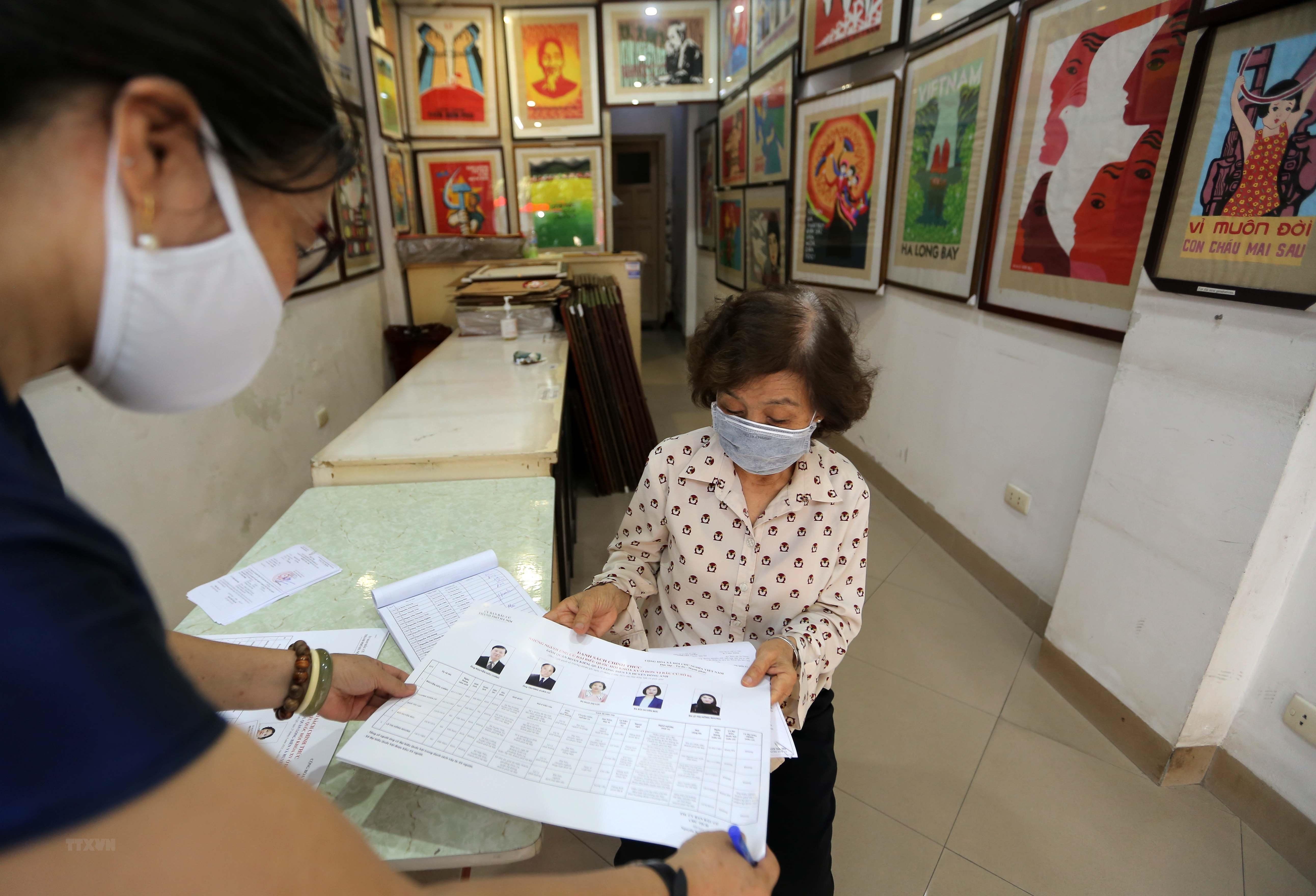 [Photo] Ha Noi chuan bi san sang cho ngay bau cu Quoc hoi hinh anh 6