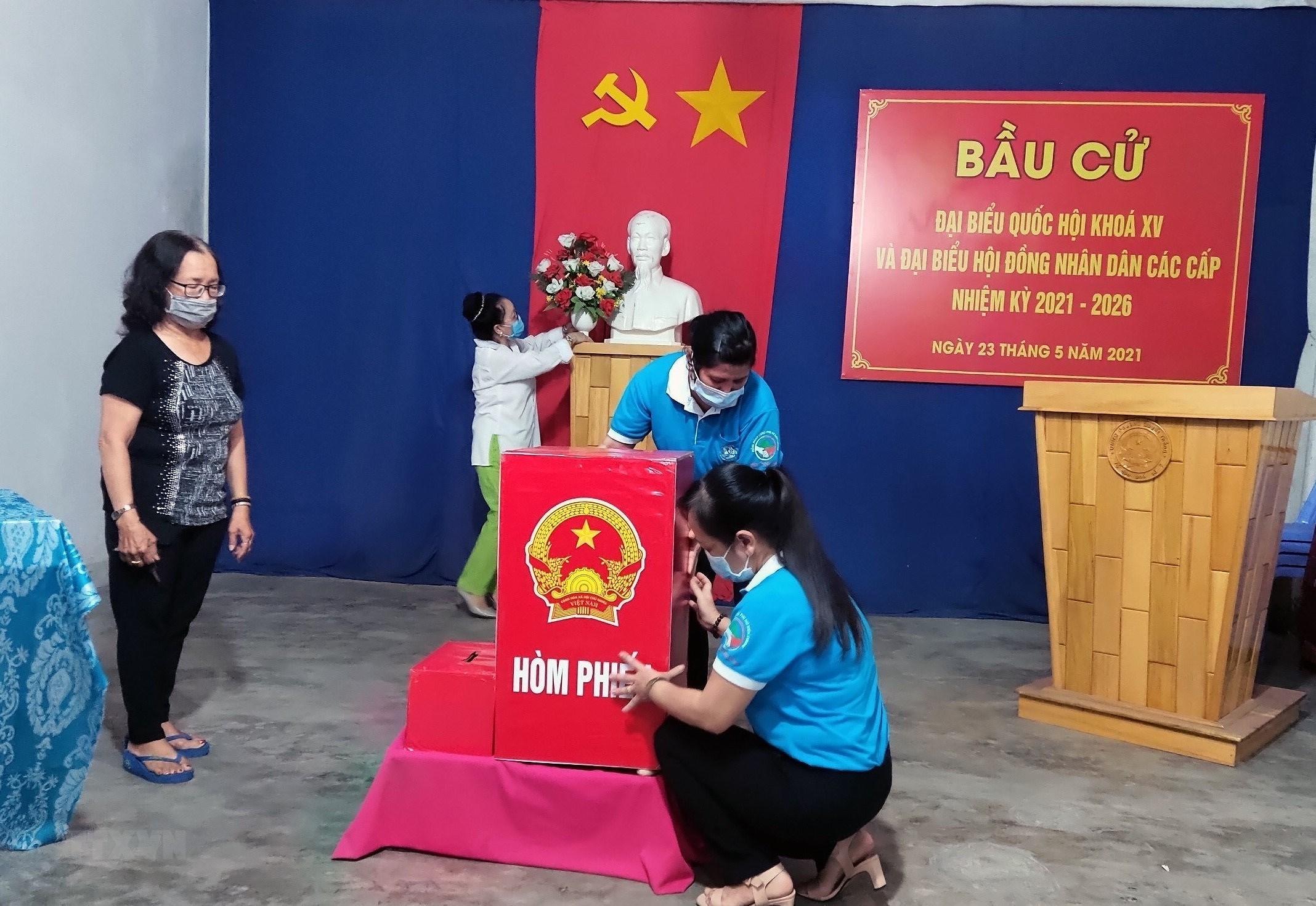 Chu dong phong chong dich COVID-19, dam bao an toan cho Ngay bau cu hinh anh 1