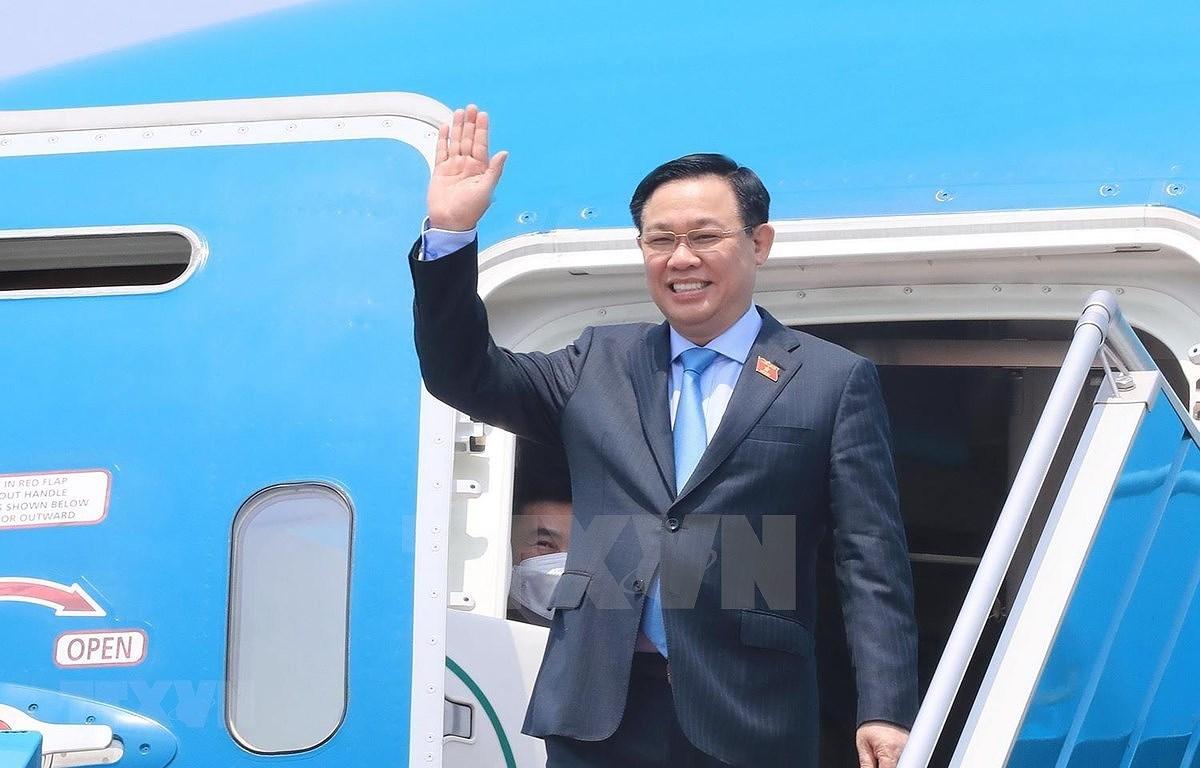 越南国会主席王廷惠圆满结束欧洲之行:议会外交和疫苗外交的深刻烙印 hinh anh 1