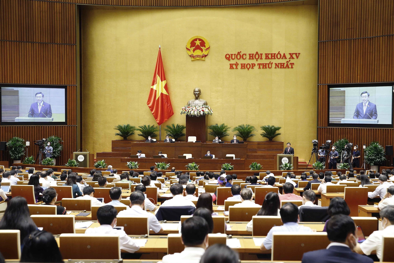 Legislators discuss two important national target programmes hinh anh 1