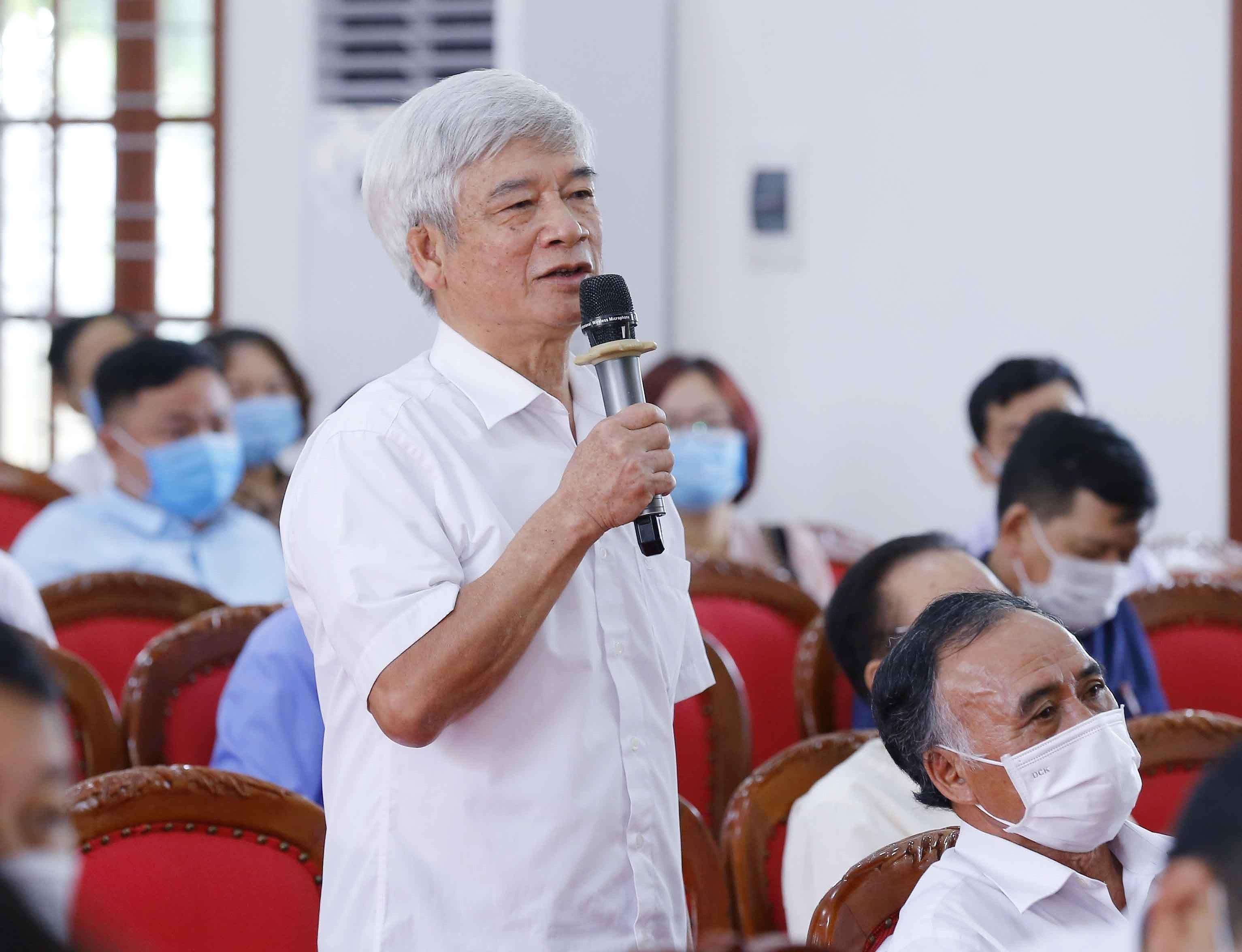 Top legislator meets voters in Hai Phong city hinh anh 5