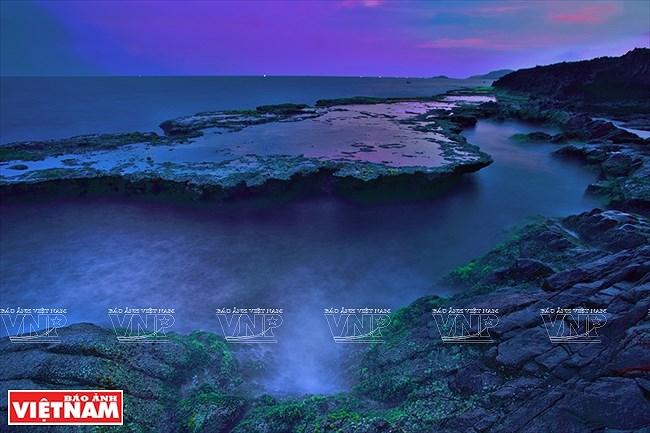 Most stunning coastal road in Vietnam hinh anh 4