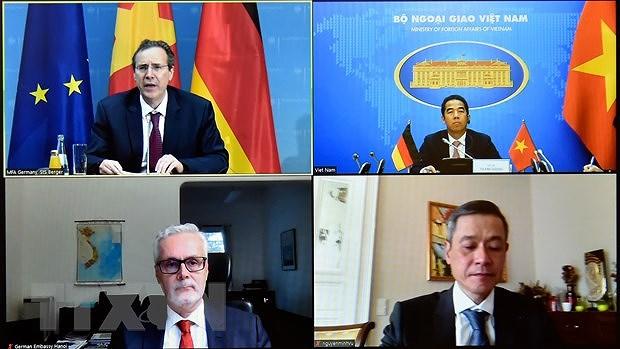 Vietnam-Germany strategic partnership flourishing in various areas: diplomats hinh anh 1