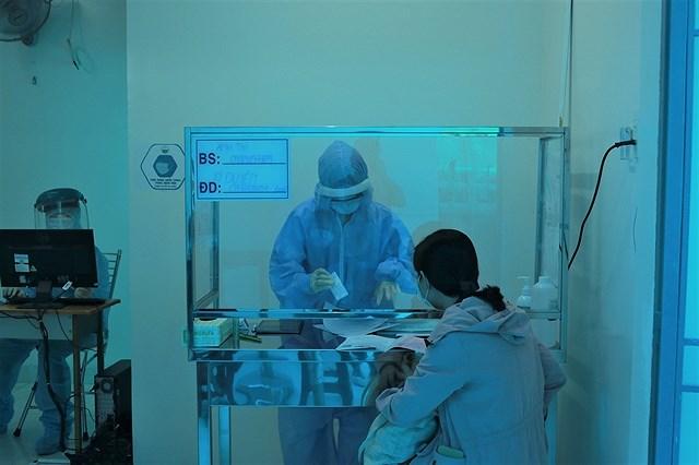 HCM City prepares polling sites at quarantine areas hinh anh 1