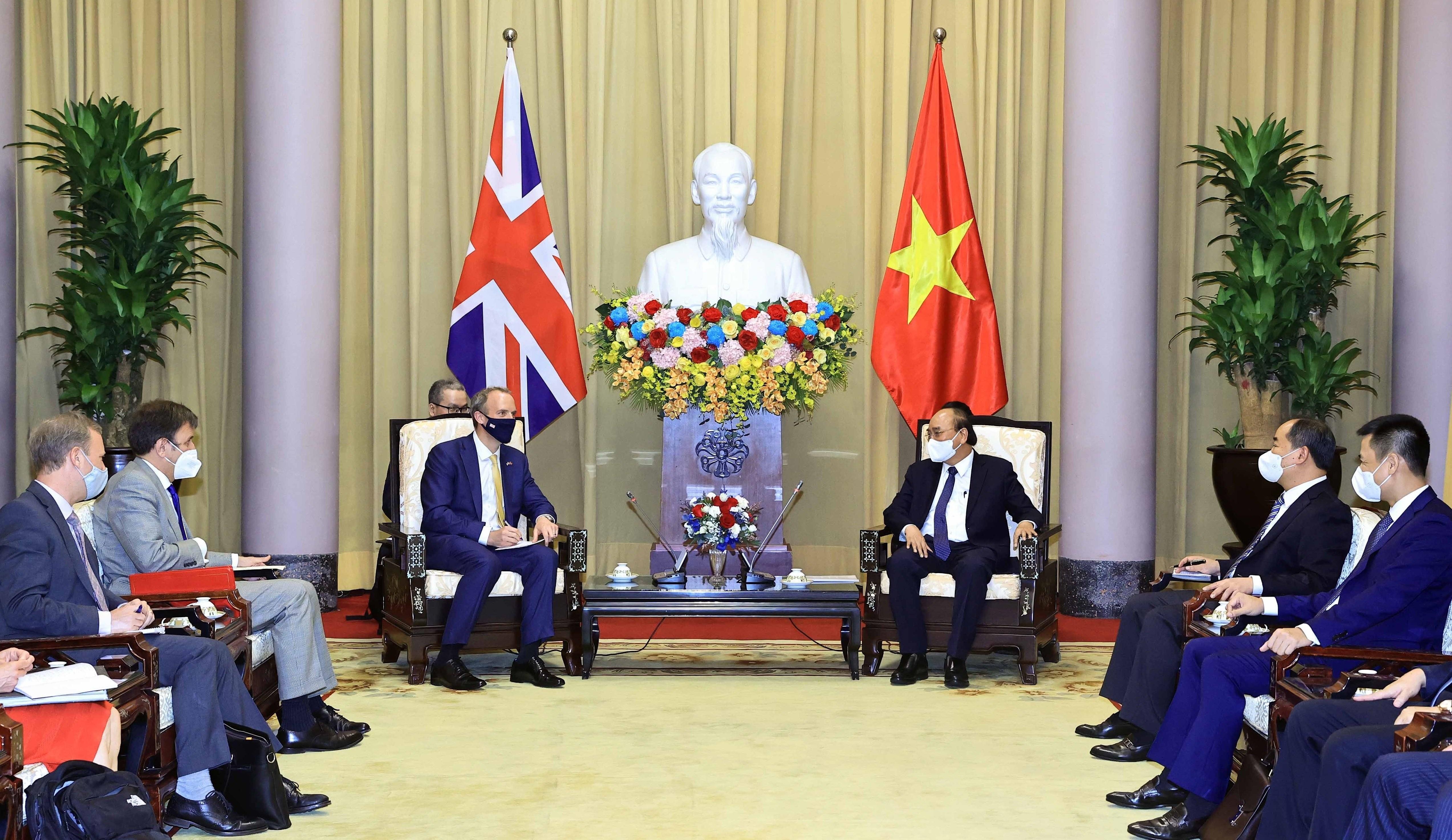 President urges deepening Vietnam-UK strategic partnership hinh anh 1