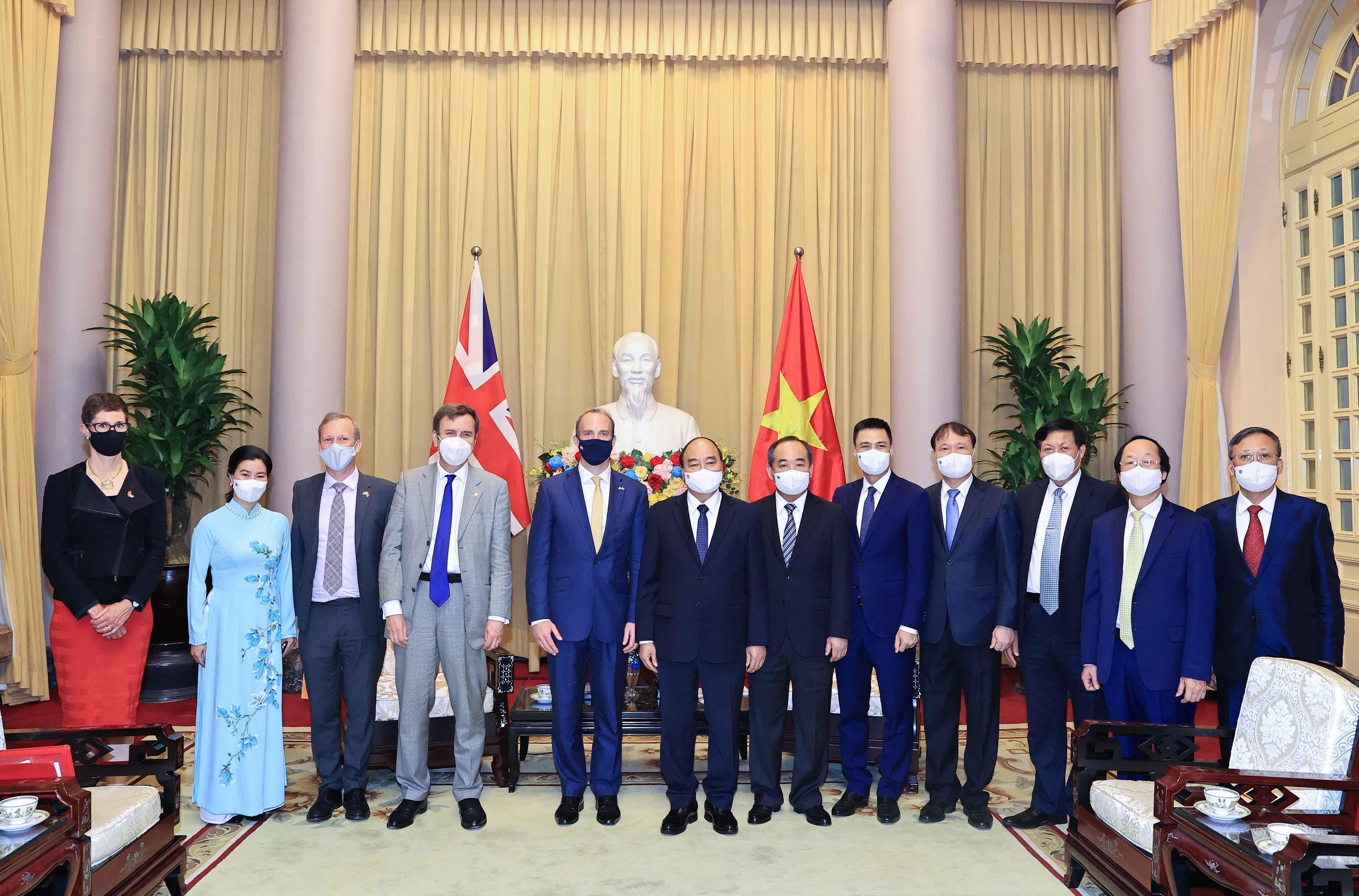 President urges deepening Vietnam-UK strategic partnership hinh anh 2