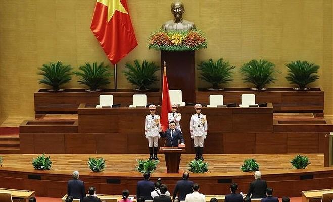 Lao NA Chairman sends congratulations to Vietnamese counterpart hinh anh 1