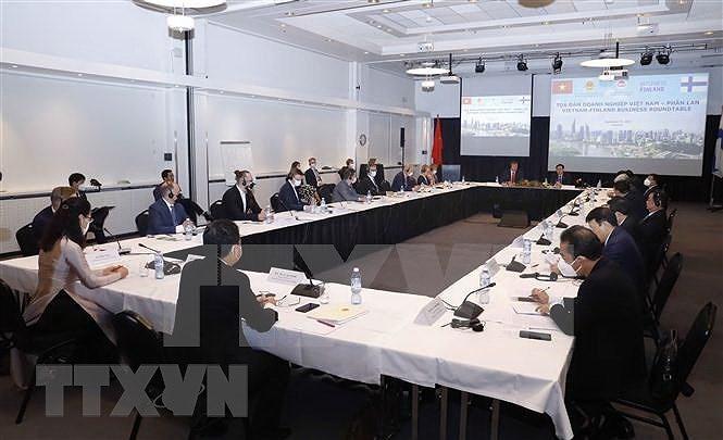 Top legislator attends Vietnam-Finland Business Roundtable hinh anh 1