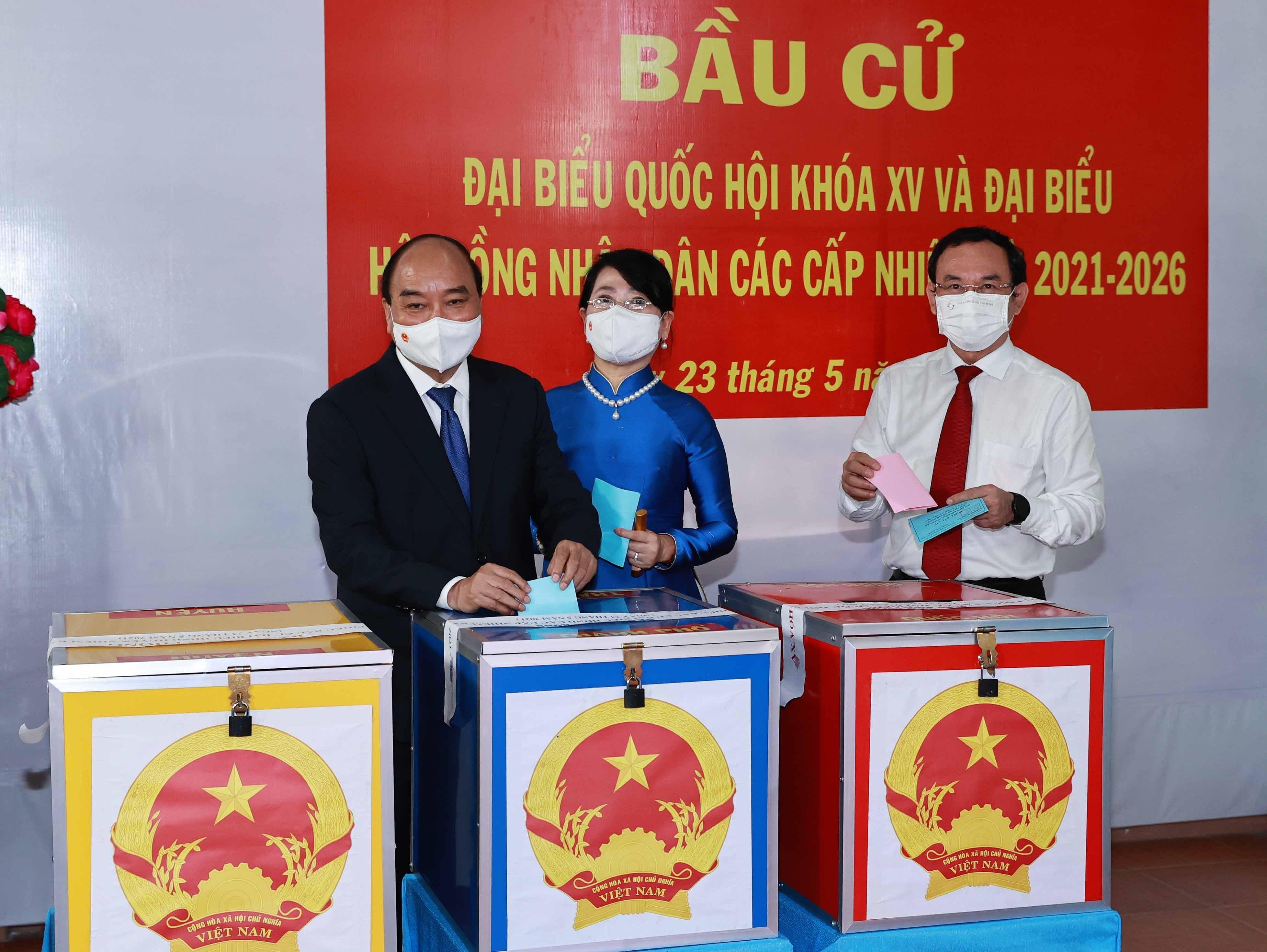 Les Vietnamiens votent pour les 15es legislatives hinh anh 9