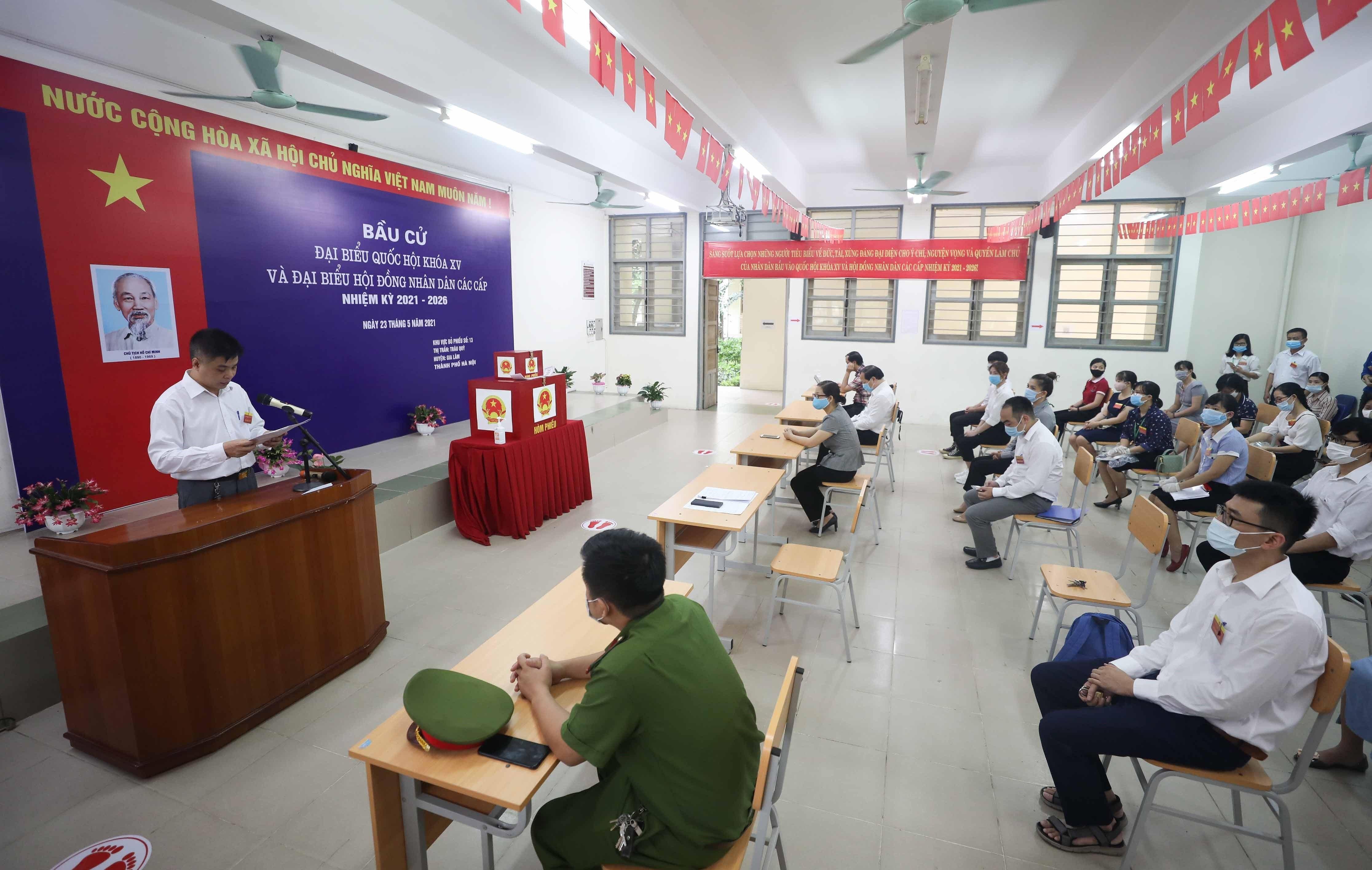 Les Vietnamiens votent pour les 15es legislatives hinh anh 10