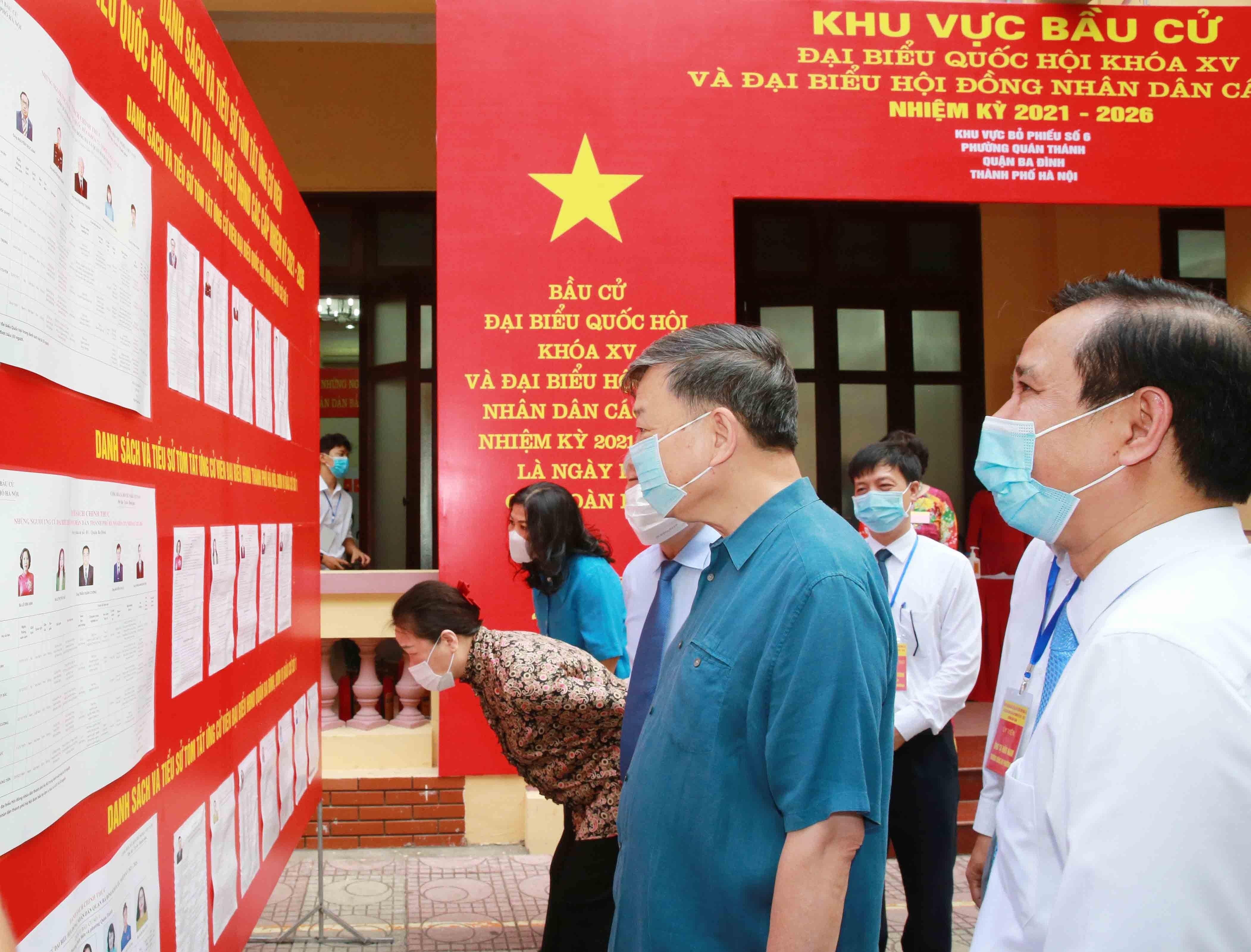 Les Vietnamiens votent pour les 15es legislatives hinh anh 7