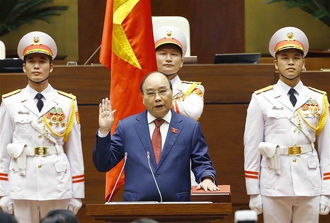 Le president vietnamien Nguyen Xuan Phuc prete serment hinh anh 2