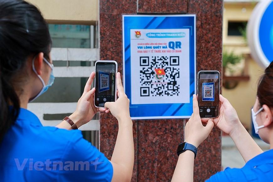 Les jeunes de Hanoi appliquent les TI au service des elections legislatives hinh anh 3