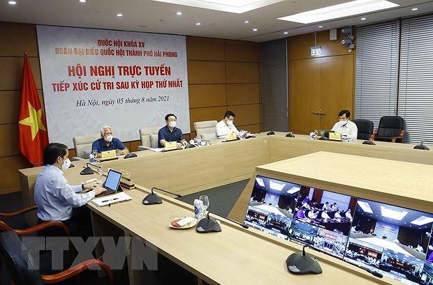 Le president de l'Assemblee nationale travaille avec des electeurs de Hai Phong hinh anh 2