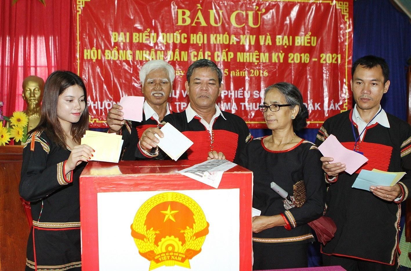Elections legislatives et des membres des Conseils populaires de tous niveaux : la Fete du peuple hinh anh 1